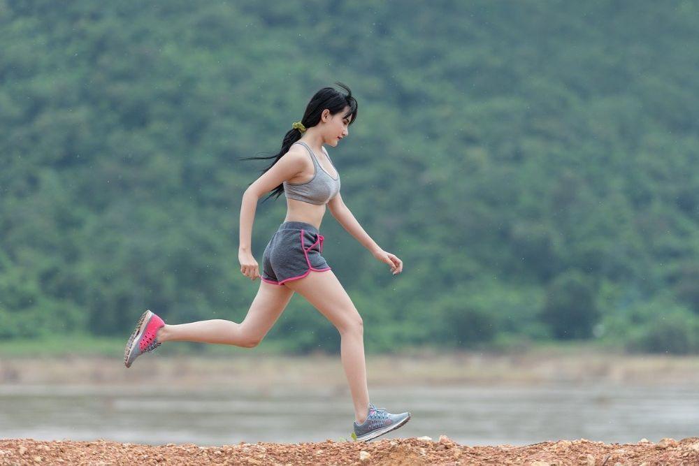 Hoe kan je een spierscheur voorkomen tijdens het opwarmen of tijdens het sporten