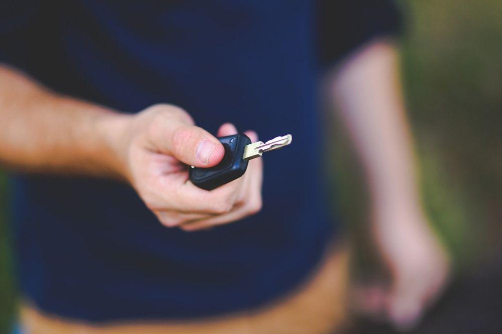 Hoe leer je iemand autorijden