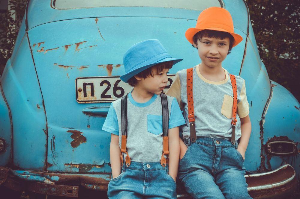 Hoe reizen met de kinderen in de auto